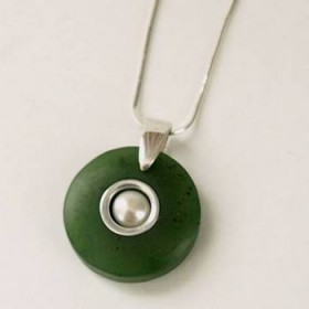 Greenstone Circle Pendant with Pearl and Satin Finish